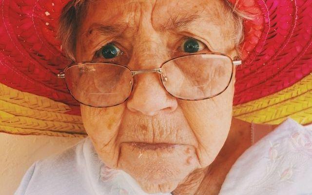10 советов как общаться с пожилым человеком с деменцией