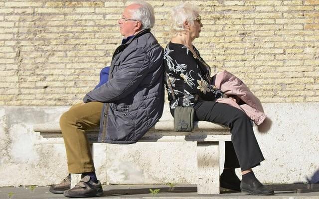 Что делать, если пожилой человек теряет память и когда обратиться к врачу