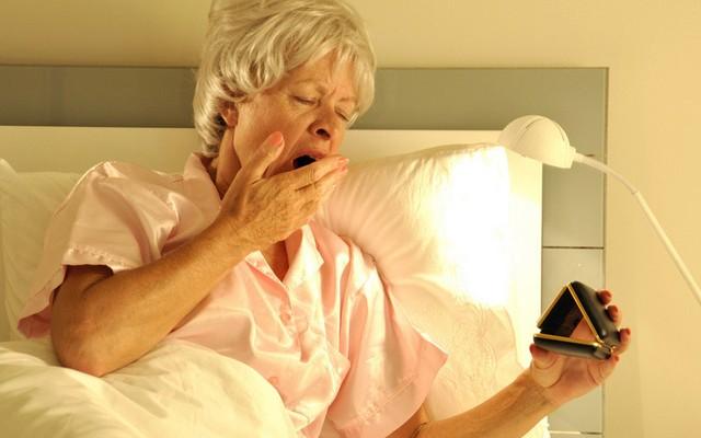 Способы борьбы с нарушениями сна у пожилых людей