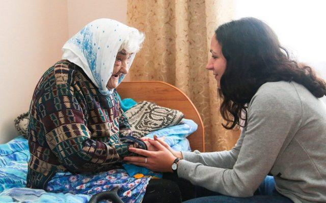 Обитатели домов престарелых бывают далеко не все одиноки