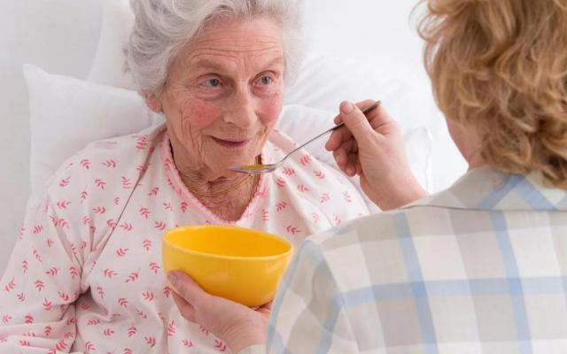 Руководство по уходу за пожилым человеком с деменцией