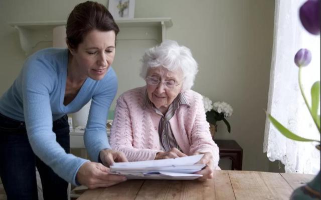В каких случаях нужно всерьез задуматься о переселении в дом престарелых