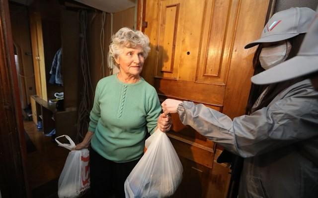 Как позаботиться о пожилых родственниках во время пандемии коронавируса