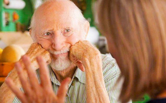 Что делать, если вы подозреваете у пожилого родственника деменцию