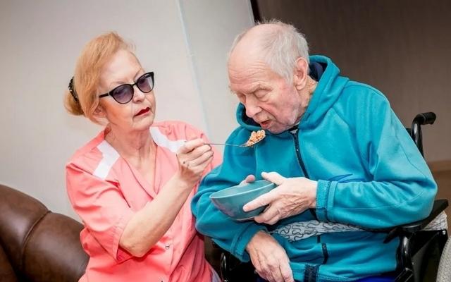 Уход за пожилым человеком с болезнью Паркинсона в домашних условиях