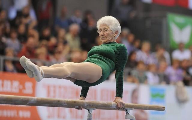 Правила для всех и особенности гимнастики для пожилых